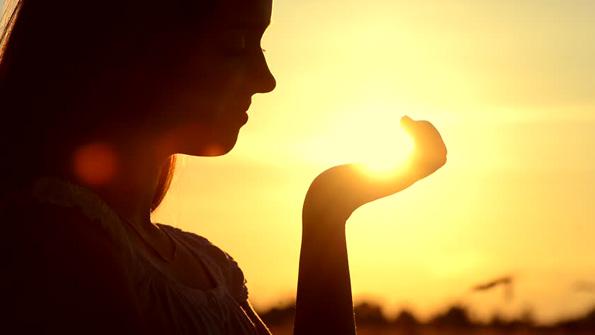 (3) Привлечноста не значи да бидете убави, туку да бидете свои и свесни за себе