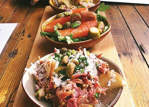 (6) 8 тајни и трикови за квалитетно помината вечер во ресторан