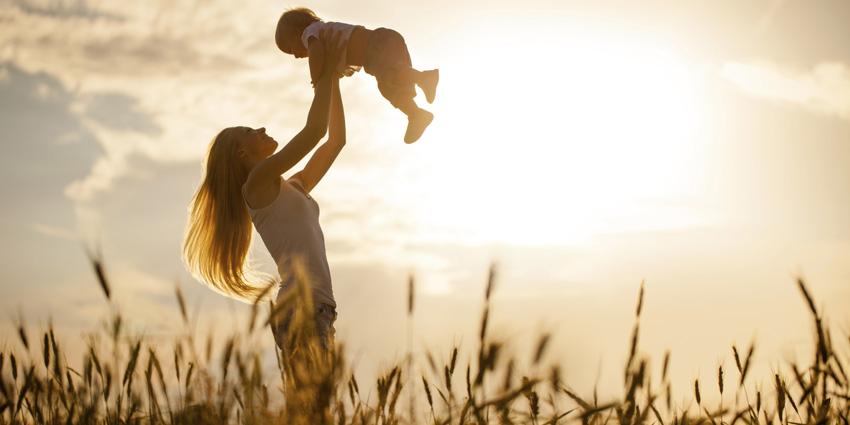 (0) Придржувајте се до овие 9 правила и вашиот син ќе израсне во прекрасен човек