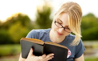 Научниците откриваат: Читањето го продолжува животот