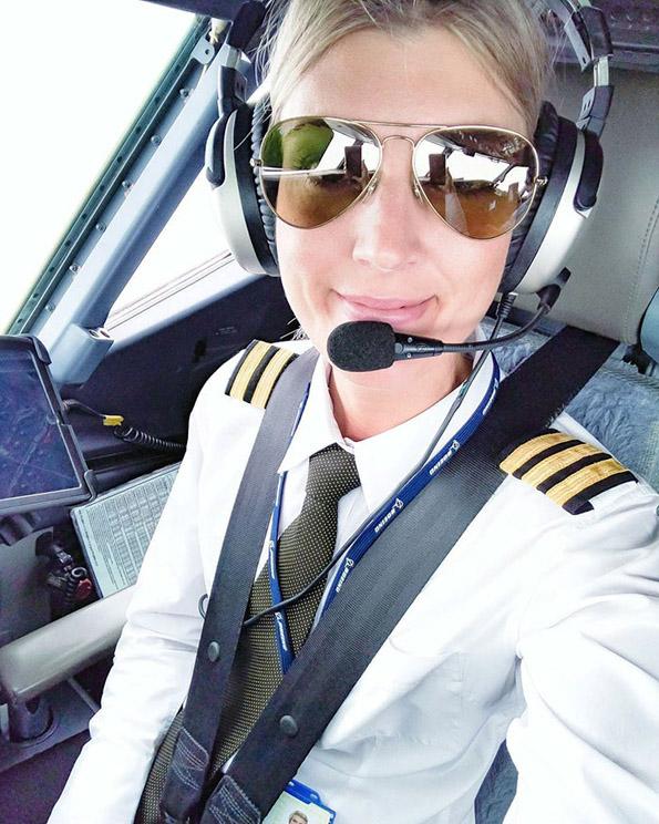 (16) Шведска пилотка го живее својот сон: Патува, вежба јога и се фотографира