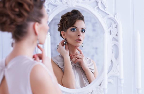 (2) Зошто треба да внимавате на поставеноста на огледалата во спалната соба?