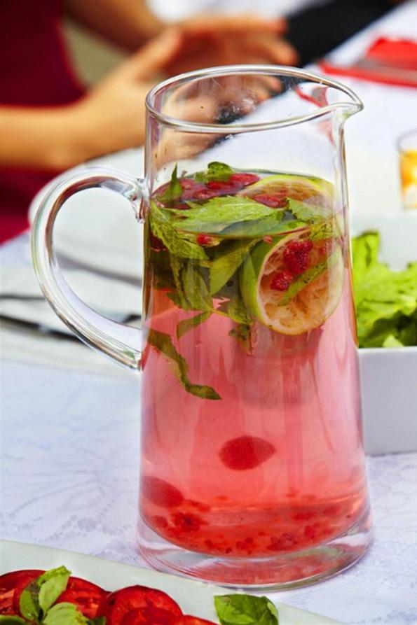 (3) Најдобрите 10 рецепти за домашна детокс вода