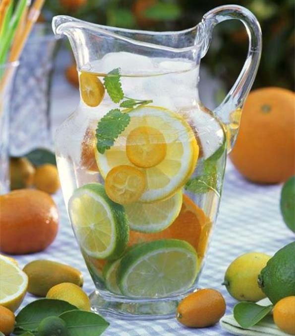 (5) Најдобрите 10 рецепти за домашна детокс вода