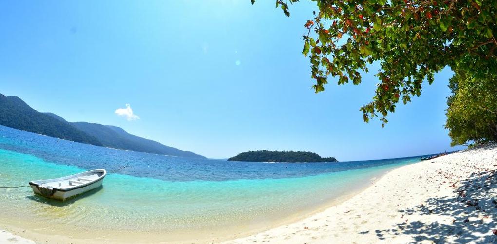 (9) Недопрена природа и неверојатна убавина: 9 најинтимни плажи во светот