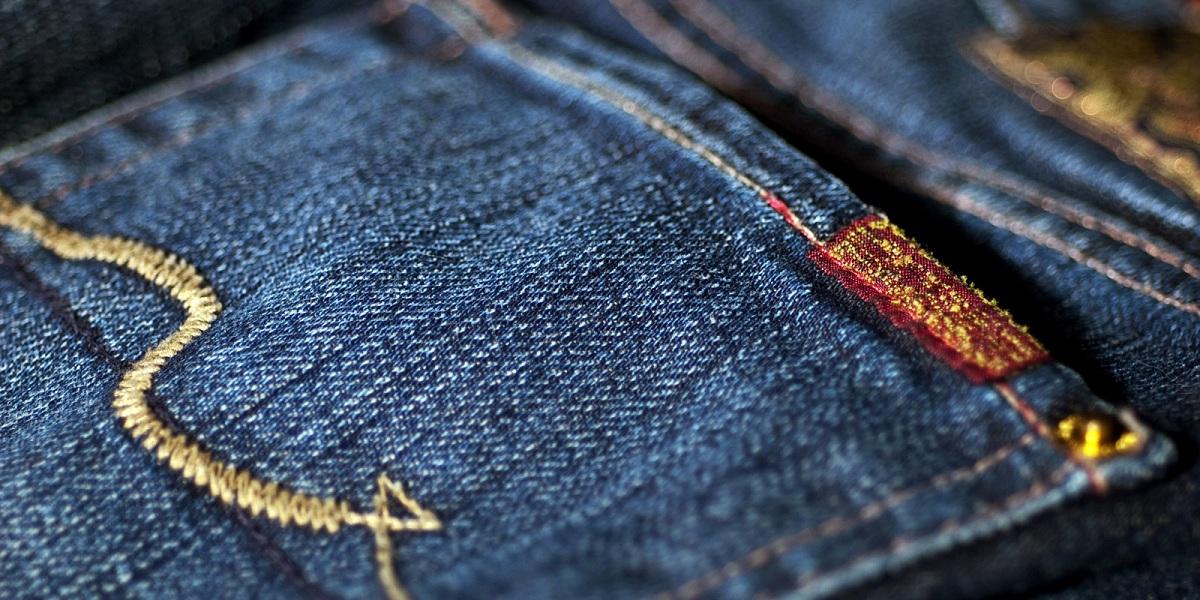 Еве кој е најдобриот начин да ги перете вашите фармерки