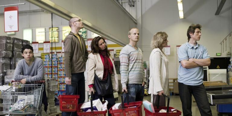 1-kako-da-ja-izberete-redicata-vo-supermarketot-vo-koja-najmalku-kje-chekate-www.kafepauza.mk_