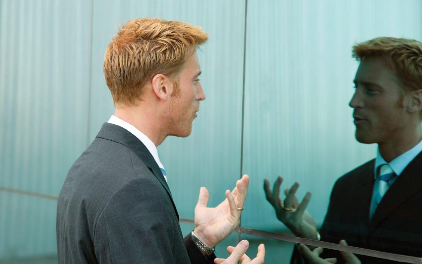 Науката објаснува како зборувањето сами на себе може да ја подобри мозочната функција