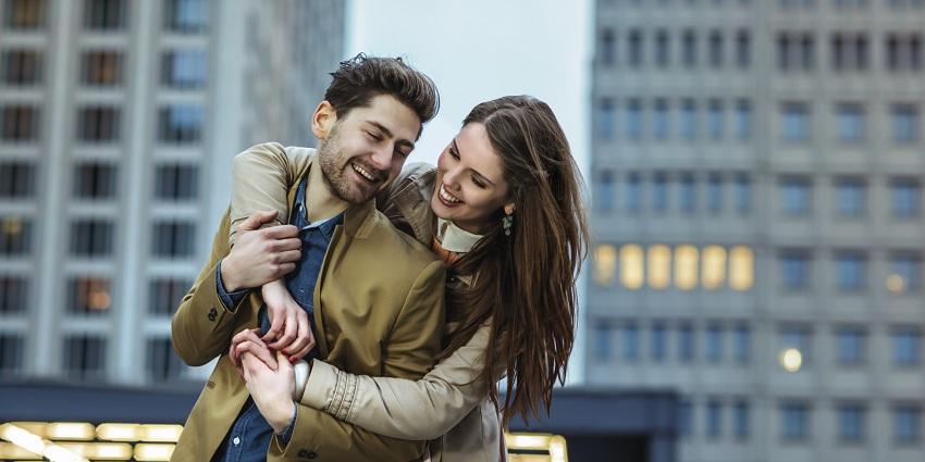 Забавните момци се вистински избор: 6 причини зошто би требало да се состанувате со нив