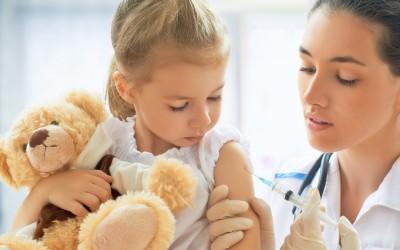 10 болести кои се речиси историја благодарение на вакцините
