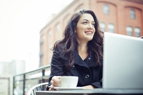 10 работи коишто жените со самодоверба ги прават различно во врската