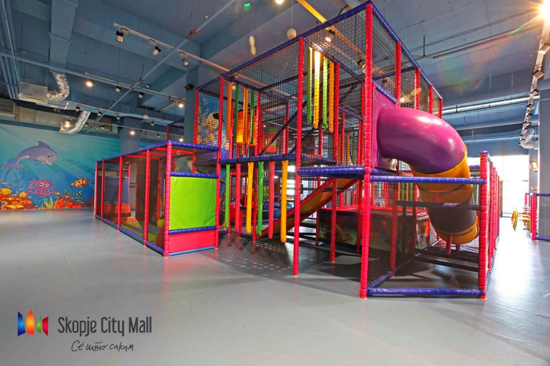 (2) Креативни работилници и голема роденденска забава за деца за четвртиот роденден на Скопје сити мол