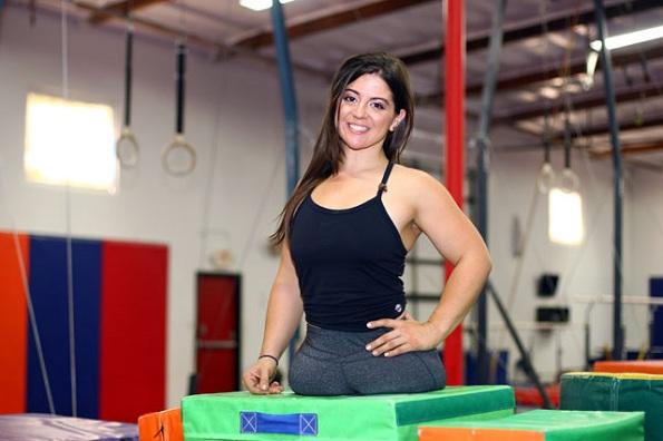 Оваа млада гимнастичарка докажува дека ништо не може да ви се испречи на патот на среќата