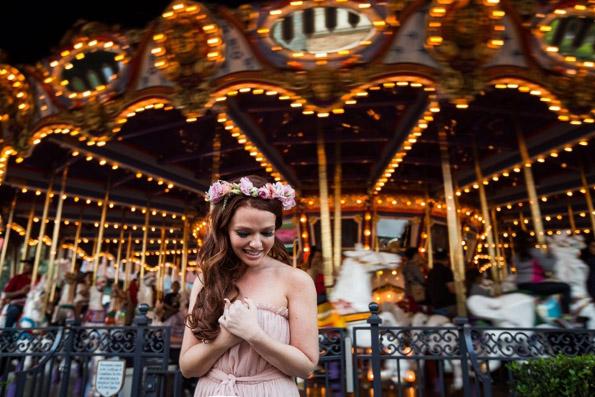 (7) Нејзиниот свршеник ја откажал свадбата, а таа направила извонредна самостојна фотосесија во Дизниленд