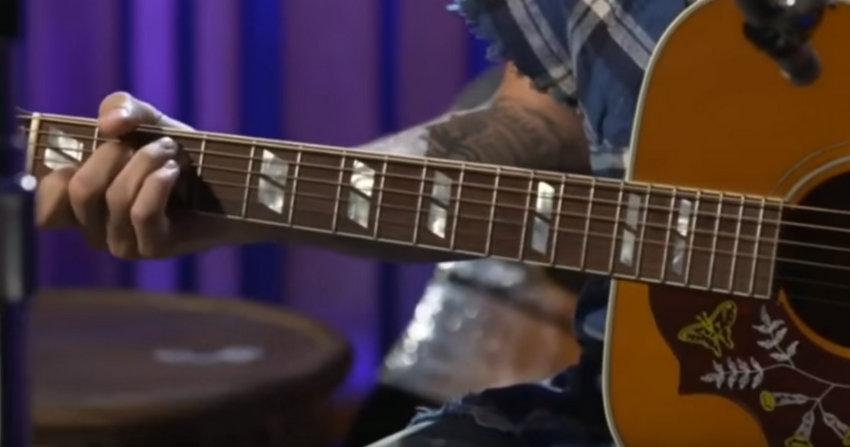 Џастин Бибер во малку поинакво светло: Слушнете ги неговите одлични гласовни способности