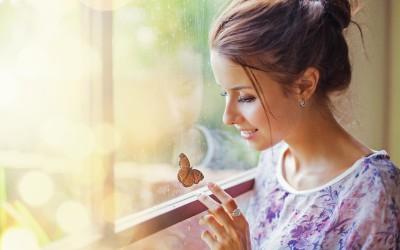 Среќните девојки не бараат љубов, туку безусловно ја даваат