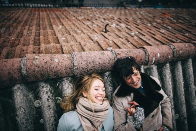 (3) Еве зошто среќните парови не зборуваат за нивната врска на социјалните мрежи