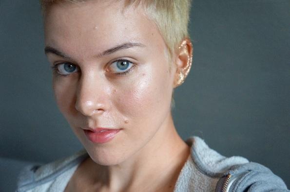Нов тренд, шминкање на увото: Би го испробале ли?