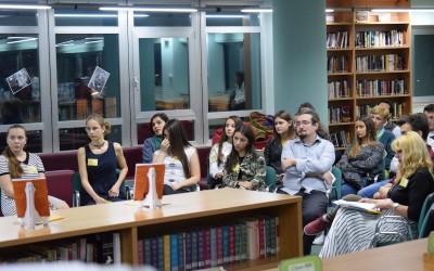 """Ученици во меѓународното училиште """"Нова"""" објавија книга и станаа публикувани автори"""