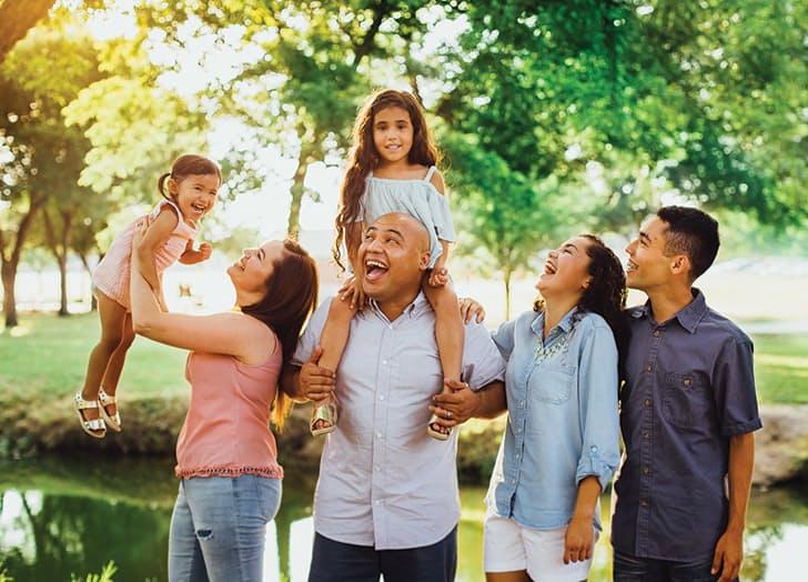 (1) 7 корисни трикови кои ќе ви помогнат да направите поубави групни фотографии