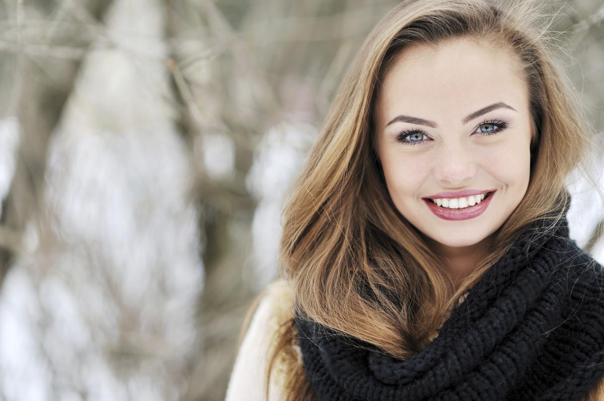 Како да се грижите за вашата коса во текот на зимскиот период?