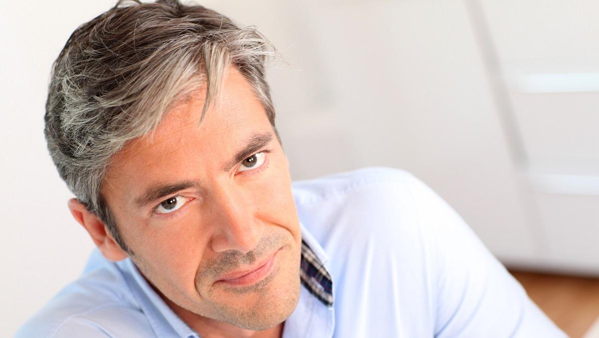 Не се должи само на староста: 4 причини зошто побелува вашата коса