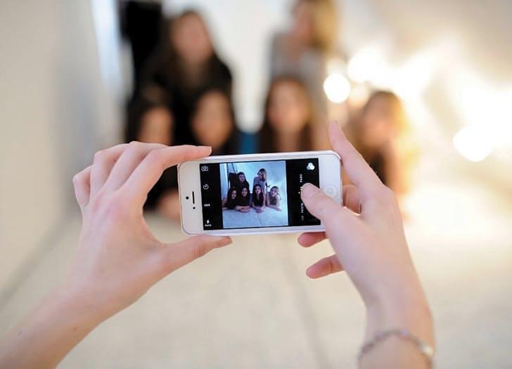 (2) 7 корисни трикови кои ќе ви помогнат да направите поубави групни фотографии