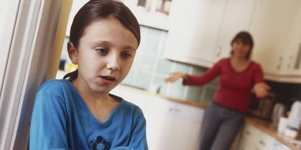 8 реченици кои родителите не треба никогаш да им ги кажат на нивните деца