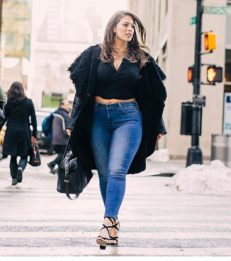 (4) Како да одберете соодветни тесни фармерки ако сте девојка со облини?