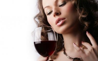 4 совети кои ќе ви помогнат да ја спречите главоболката предизвикана од црвено вино