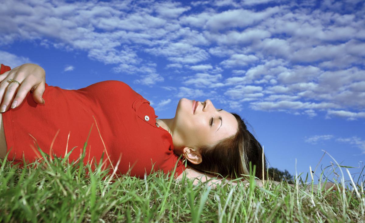 Процес од три чекори што ќе ви помогне подобро да ја слушате вашата интуиција