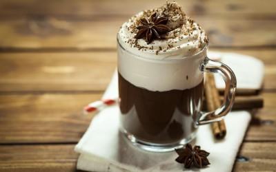 Совршена напивка за ладните денови: 4 необични рецепти за топло чоколадо