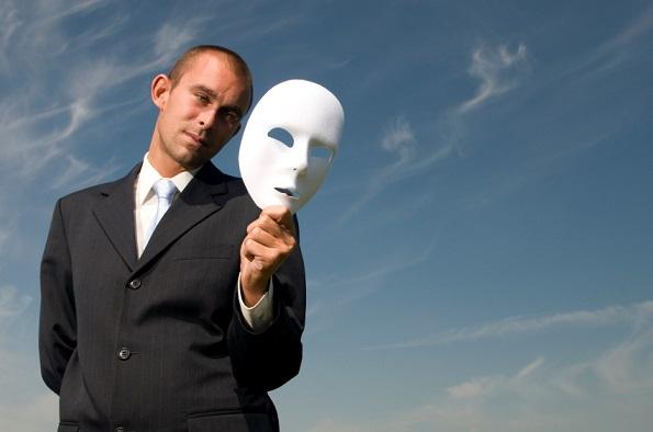 13 знаци дека сте во врска со самобендисан маж