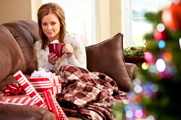 За сите оние кои не ја чувствуваат предновогодишната еуфорија: Како да си прославите во домашна атмосфера?