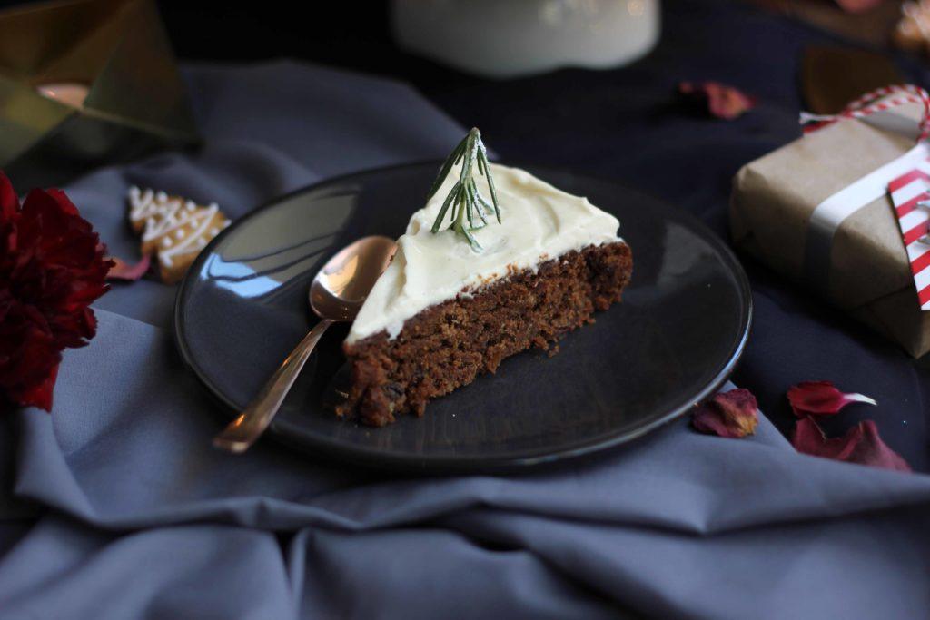 (3) Декорирајте ја трпезата за новогодишната прослава со оваа прекрасна торта