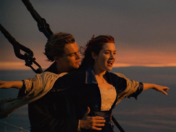 (8) Можете ли да погодите за кој романтичен филм станува збор со само 3 емотикони?