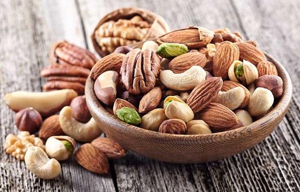 Видови храна кои ги намалуваат и ја спречуваат појавата на брчки (вклучено е и чоколадо!)