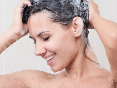 Истражувањата откриваат: Колку често треба да се туширате?