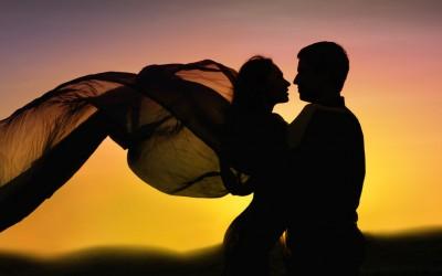 Покажете ја љубовта кон саканата личност со некој од овие прекрасни романтични цитати