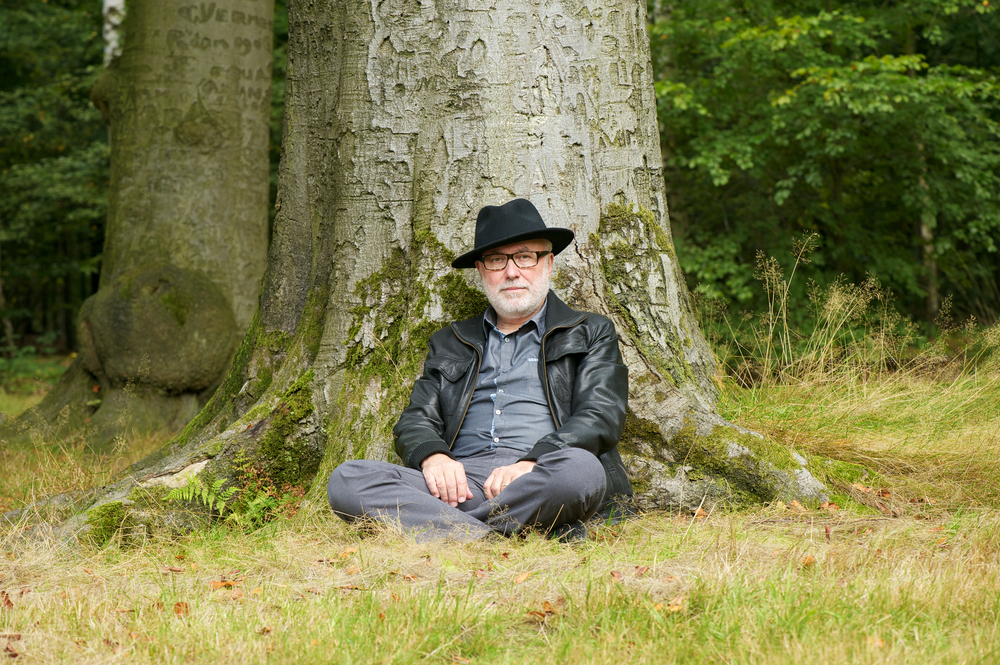 Поучна приказна: Дрвото кое постојано дава