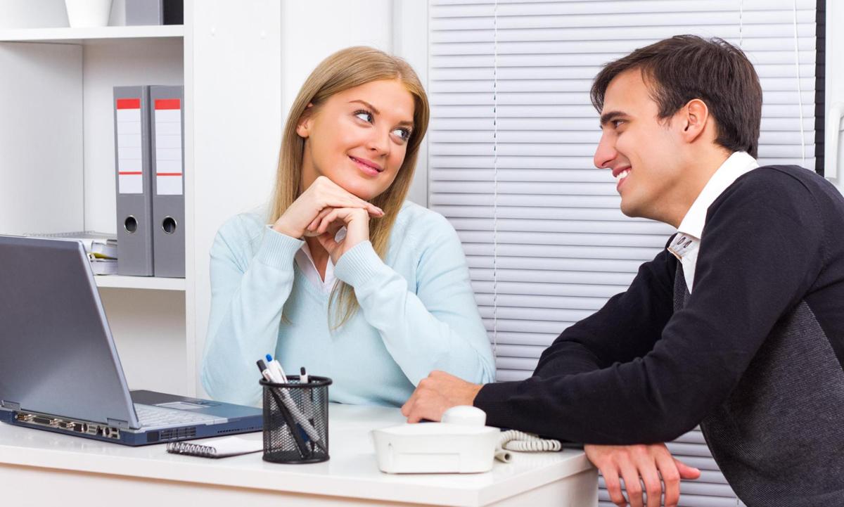 Скриената вистина зад флертувањето со други луѓе кога сте во врска или брак