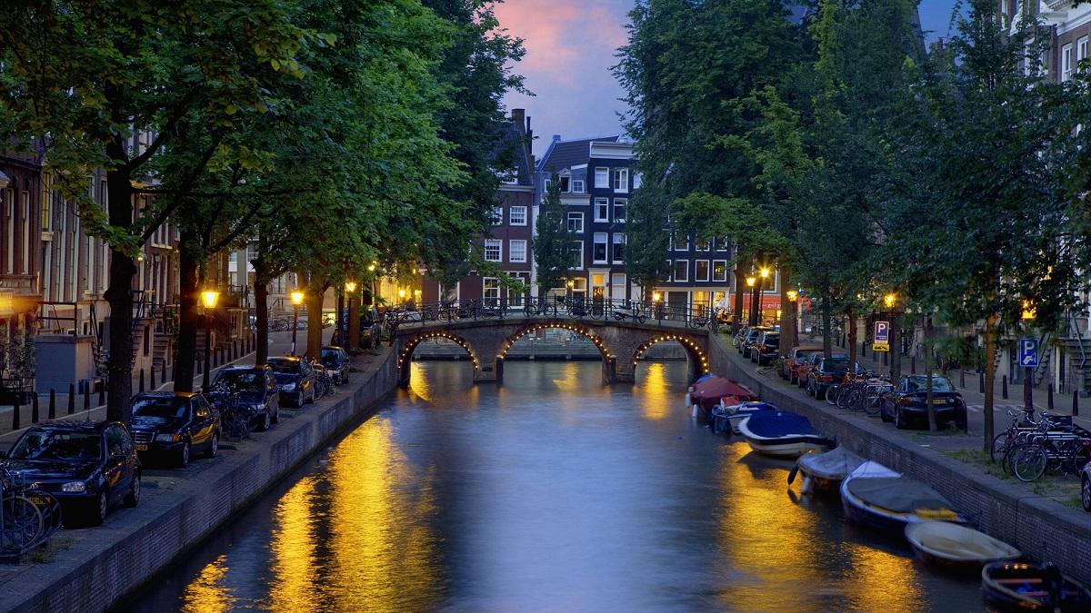 Зошто секоја жена би требало да го посети Амстердам барем еднаш во животот?