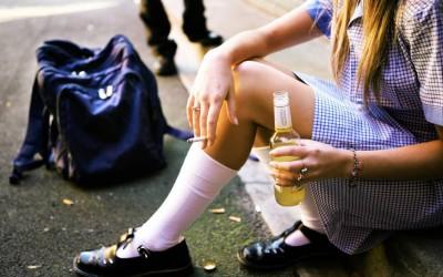 Кај паметните деца постои поголема веројатност дека ќе експериментираат со дрога и алкохол