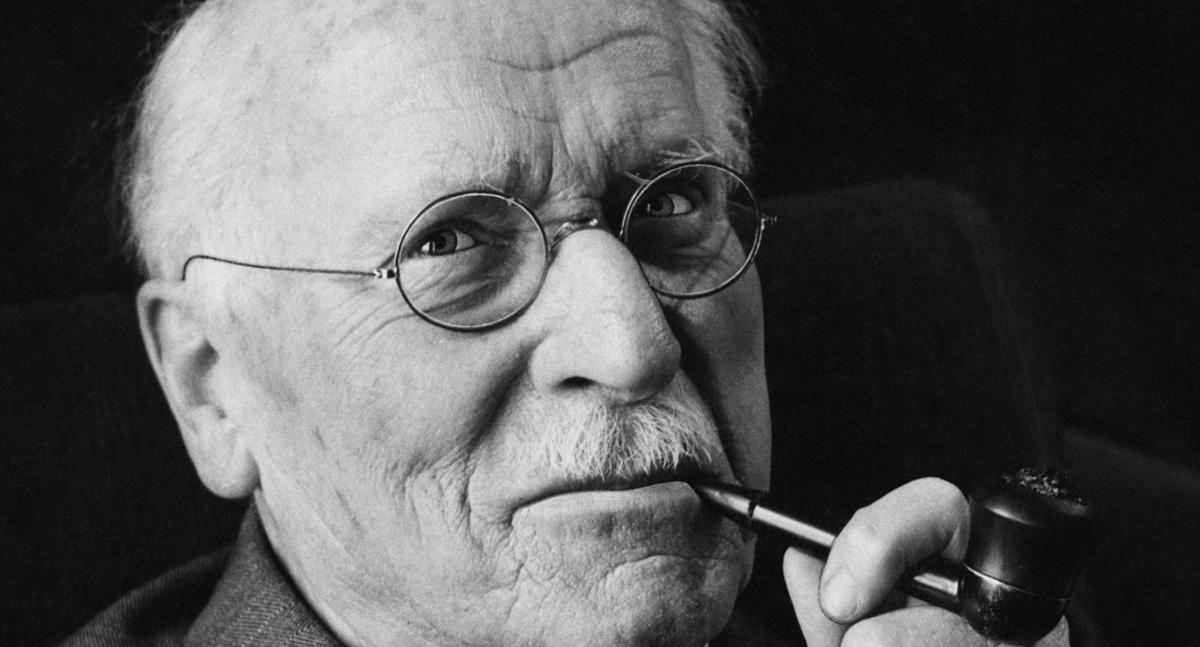 Мудроста на Карл Густав Јунг: Не може од човекот да излезе она што го нема