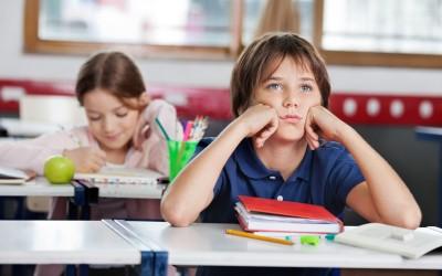 Како училиштето ги прави децата глупави и депресивни?