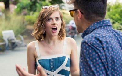 Најнова апликација која брои колку пати мажите ги прекинуваат жените во текот на разговорите