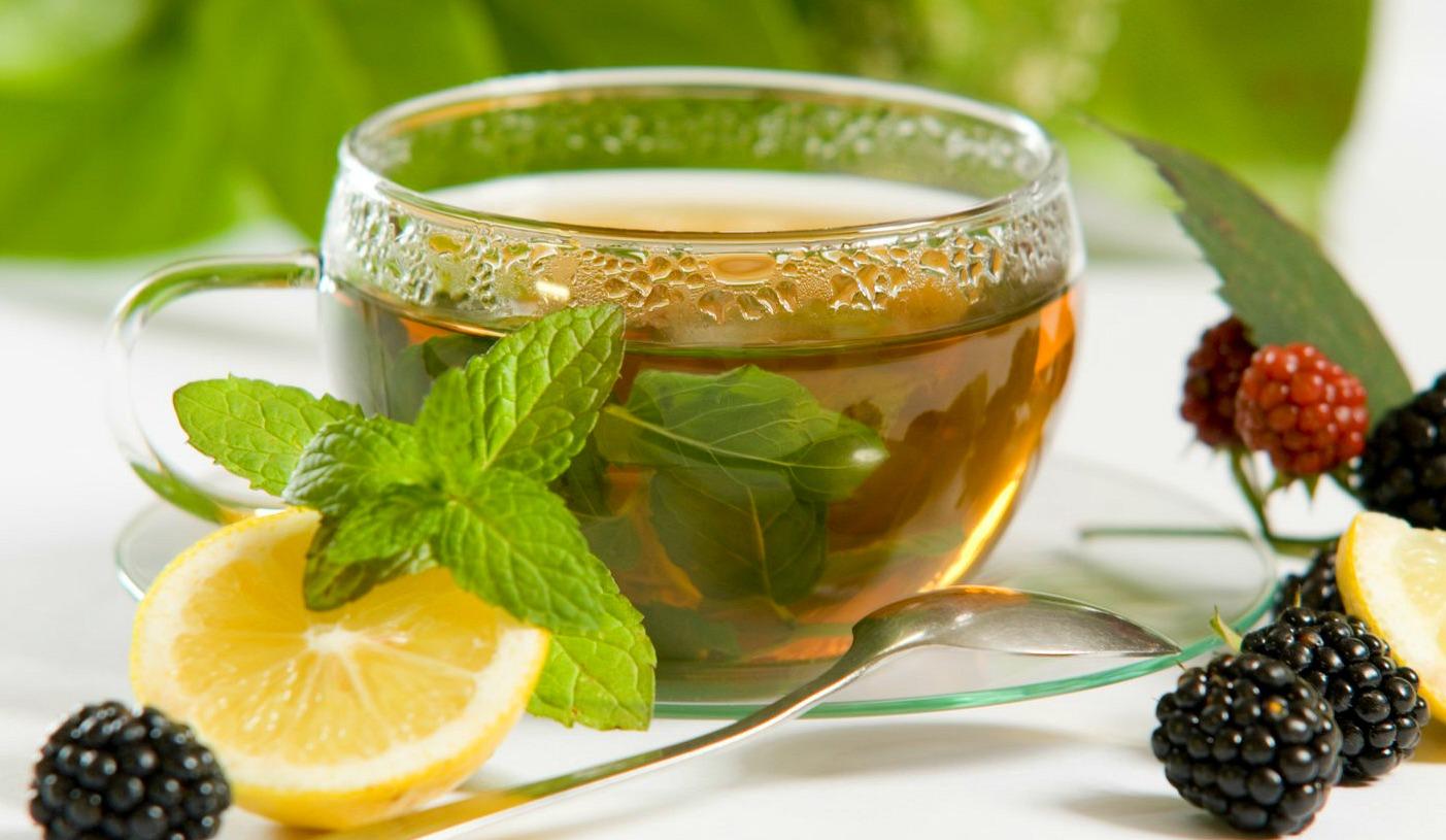 Пролетен еликсир за подобрување на имунитетот: Зелен чај со јаболков оцет