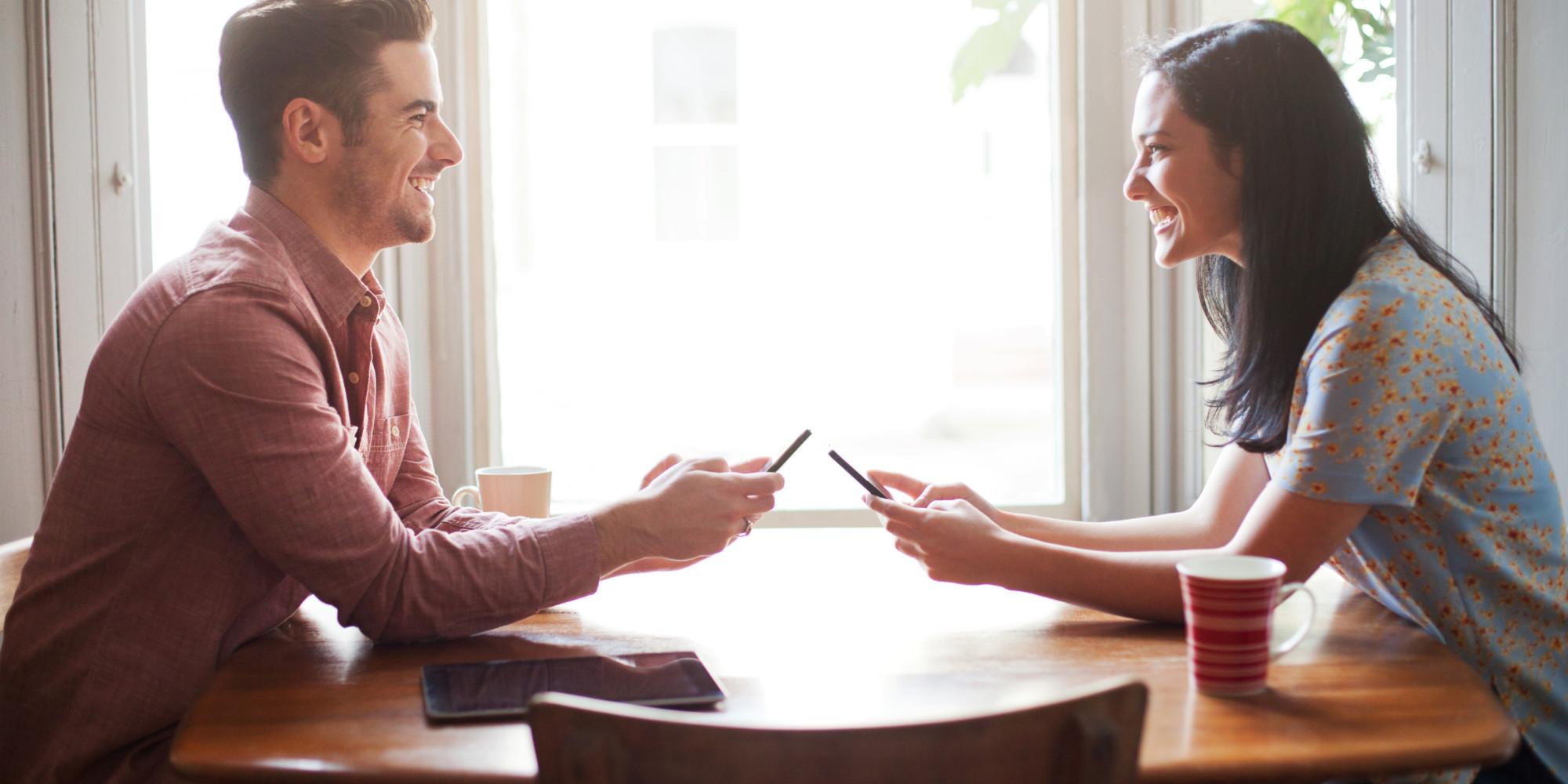 8 причини зошто во животот ви е потребна жена што добро се согласува со мажите