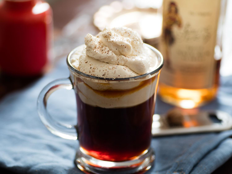 Совршено пролетно освежување: Кафе со вкус на чоколадо и јагода