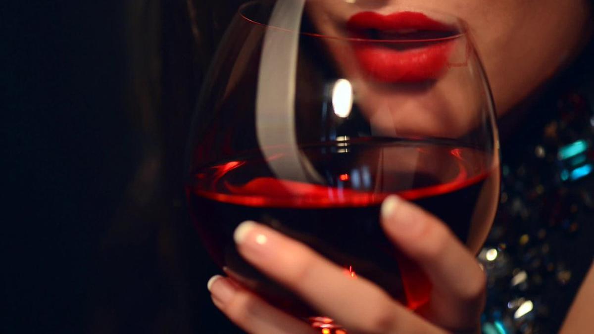 Инспиративни цитати што ќе ги разберат само најголемите љубители на виното